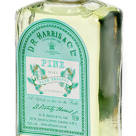 D.R.HARRIS & Co LTD - Silky Bath Essence  Pine