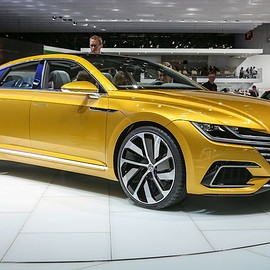 Volkswagen - Volkswagen Sport Coupe Concept GTE: Your First Look at the Next CC