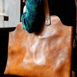 ABK leather tote