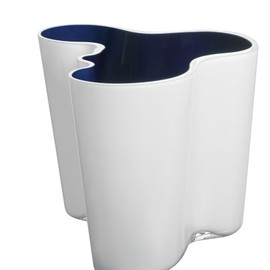 iittala - iittala Alvar Aalto Collection 160mm Dual-Colored Vase, White/Dark Blue