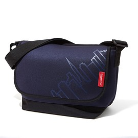 Manhattan Passage - Neoprene Casual Messenger