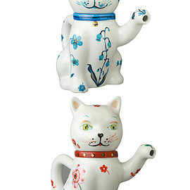 MEDICOM TOY - Nathalie Lete The Blue/The Red Lucky Cat Teapot