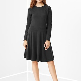 GAP - Raglan flared dress Product Image