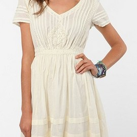 URBAN OUTFITTERS - Thistlepearl Victorian Lace Cotton Dress