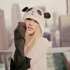 WILDFOX - Wildfox Panda Face Hooded Billy Sweater