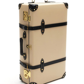 GLOBE-TROTTER - 30inch Suit Case