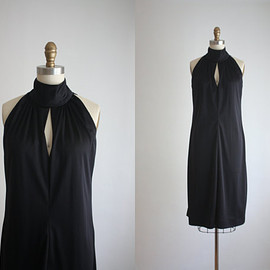 liquid jersey dress / black dress / 1970s keyhole dress