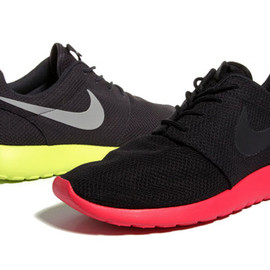 NIKE - Nike Sportswear 2012 Spring/Summer Roshe Run New Colorway