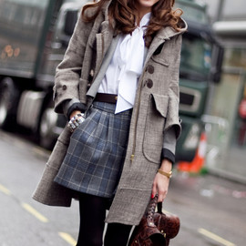 preciousdailyoutfits:Olivia Palermo in brit style