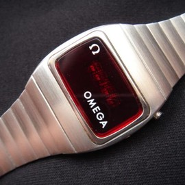 OMEGA  - LED constellation Digital