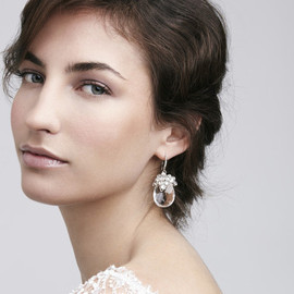イヤリング Dew Drop Earrings: Featured Product Image
