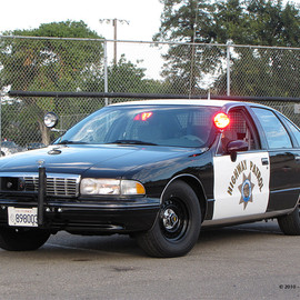 CHEVROLET - CAPRICE [CALIFORNIA HIGHWAY PATROL] POLICE CAR  CHP