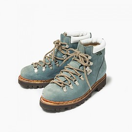 and wander - trekking boots by paraboot