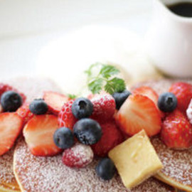 CAFE CUCINA & COMPANY - Berry Berry Pancakes