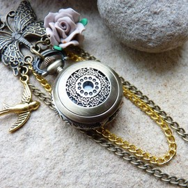 Luulla - Pocket Watch Necklace Vintage Style with Butterfly, Chain & Bird Charm