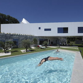 idis turato - nest and cave house