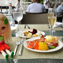 Singapore - Champagne Brunch at Fullerton Hotel