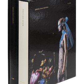 DRIES VAN NOTEN - Slipcase Dries Van Noten 1-100