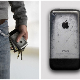 Apple - Aged iPhone