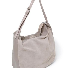 nonnative - DWELLER SHOULDER BAG LARGE - SHEEP LEATHER