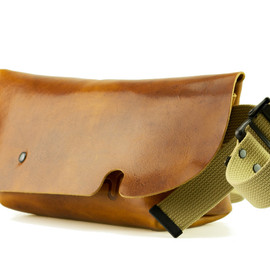 Uni&co. - MESSENGER BAG (XS)/CAMEL