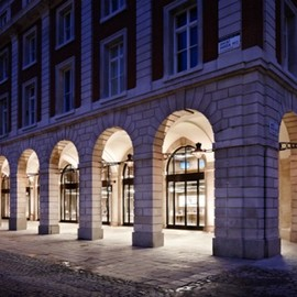 Covent Garden, London - Apple Store