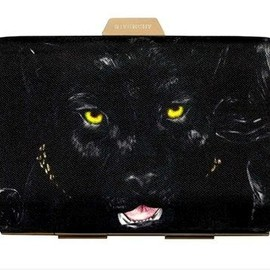 GIVENCHY -  clutch.