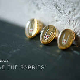 "Astier de Villatte - ピンバッジ ""SAVE THE RABBITS"""