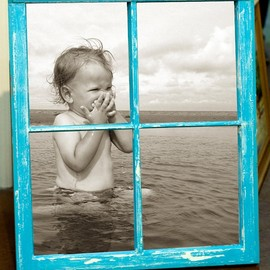 DIY - Color frame black and white photo