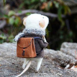feltingdreams on Etsy - Little Traveler Mouse - Felting Dreams
