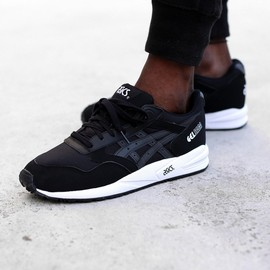 asics - Gel Saga - Black/White