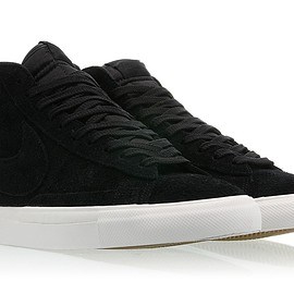NIKE - Blazer Mid - Black/Black/Summit White