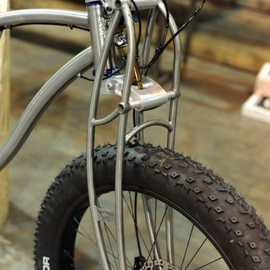 Black Sheep - titanium truss style suspension fork