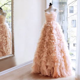 VERA WANG - Pink-blush-wedding-dress-by-vera-wang