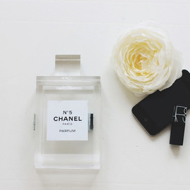 chanel - DIY Perfume Clutch