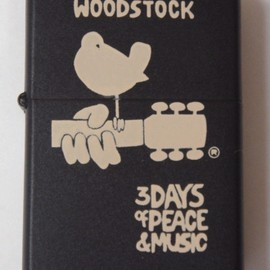 ZIPPO - WOODSTOCK    3 DAYS of PCACE & MUSIC