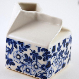 Hanna Risgaard - Ceramic milk carton