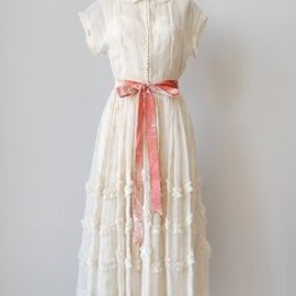 vintage 1940s ruffled ecru party dress