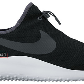 NIKE - Aptare Essential - Black/Anthracite/White