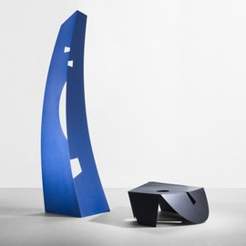 "Isamu Noguchi / イサム・ノグチ - ""Black and Blue"" enameled aluminum (Gemini G.E.L.)"