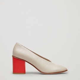 COS - Chunky heel pumps in Sand