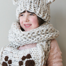 ErinBlacksDesigns - Knitting PATTERN - Chunky Bear Hat and Muff
