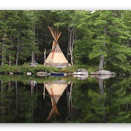 Customize your own Tipi from color, design and pattern.