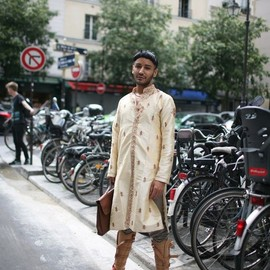 street - 2014 Paris Fashion Week street style [Photo by Kuba Dabrowski]