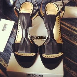 MOSCHINO - bow/shoes