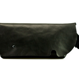 Uni&co. - MESSENGER BAG (S)/BLACK
