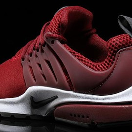 NIKE - Air Presto Essential - Team Red/Anthracite/Dark Team Red