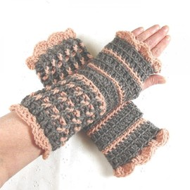 Luulla - Stunning Crocheted Heather Gray & Pale Rose Fingerless Gloves