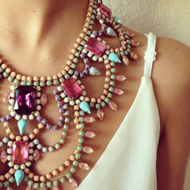 Pastel 1920s Vintage Necklace