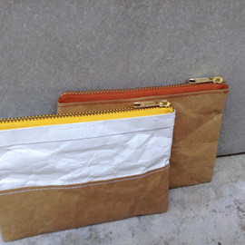 Belltastudio - Kraft and Tyvek paper purse wallet zipper